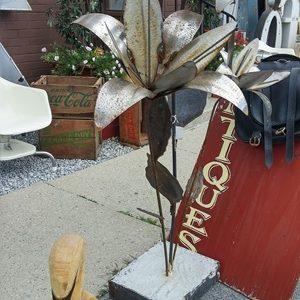 03 - Garden, Art, Antiques & Plant Accessories